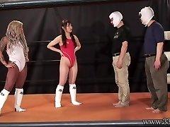 Giapponese Femdom Camel Clutch di Presentazione e Ponyboy