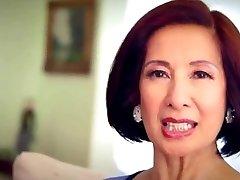 64-årig Milf Kim Anh samtal om Anal Sex