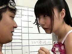 Plonas Japonijos plaukikas Tsubomi pakliuvom kelis cumshots