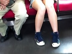 日本upskirtない大規模な品揃えのメーカー列車の運行