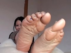 Japanese Takes Off Her Nylons