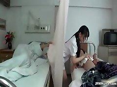 Japanische Krankenschwester liebt saugen zwei part3