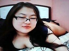 Mignonne joufflue adolescents asiatiques sur la came