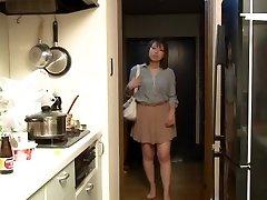 Yui Hatano as Boss Wife Night Crawling