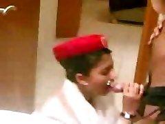 arab emirate steward Kabine blowjob vor dem Flug
