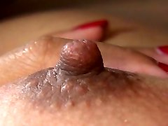 Azijske titty fuck je arousing