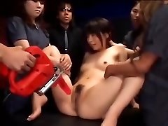 Japanese slut gets her labia vibed till she squirts