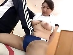Marvelous asian in the Gym