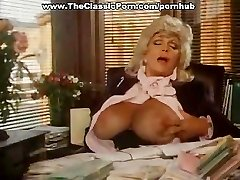 Old-school video with office blowjob