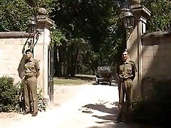 Lisa Crawford - Soldater knulle Général Kone