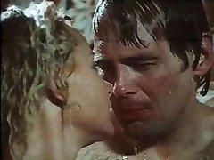 1970 scéna z filmu Tvrdé Erekcie sprcha sex scene