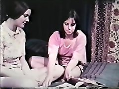 Girl-girl Peepshow Loops 641 60's and 70's - Sequence 8