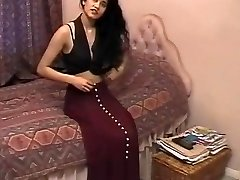 Brit Indian Dame Shabana Kausar Retro Porn