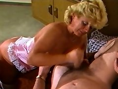 Amateure Video - Mature Duo - Retro 80's