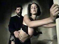 איטלקי משובח הסצנה עם חזה גדול מותק מקבל פנים