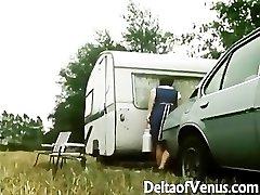 Retro Porno 1970s - Wooly Brunette - Camper Coupling