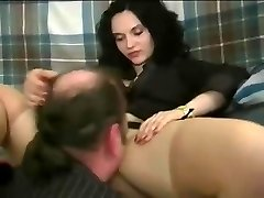 A nymph making guy eat her pretty vagina and treating him like shit