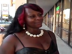 Big keister ebony BBW gets pounded on the bed