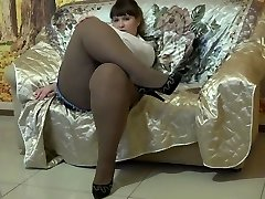 Luxurious BBW In Pantyhose