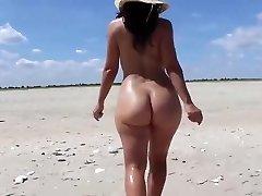 Strolling ON THE BEACH - saf