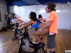 Latina Workout Bootie