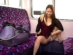 PIPI DANS UN TRAIN