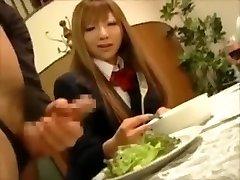 CFNM - Japonés rica adolescentes tortura macho esclavos en la cena