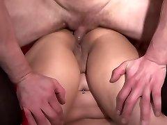 Casting her backside - Telsev