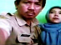 индонезийский - бидан berjilbab