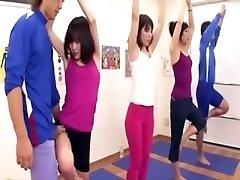 Japonês treinador adquire ereção no ginásio três