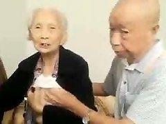 Asiática Casal De Idosos