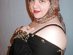 Sexy fat pinup flasher in sheer leopard-print