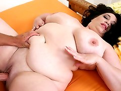 Hot BBW gets her plump twat eaten