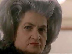 7.Debora Caprioglio paprika exposee devant pozýva