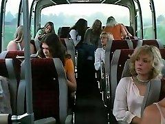 Schulmadchen-Správa 8 (1974)