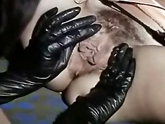 Vintage Lesbičky Lízání Sexy Černé Boty A Šťavnaté Kundičky