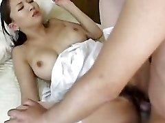 Hot Japanske Sykepleier Yuki Touma Ved Spikret DM720