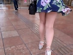 Sexy Gams Walk 006