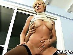 sexy vo veku hovno ramrod a túži pre hardcore kurva