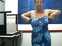 Babička tanec e pásy