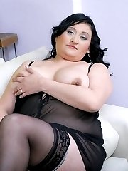 Hot fatty Claudia wears her sexy nightie as she waits in the sofa for a fucking