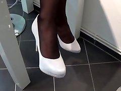 Nylon Footplay With Milky highheels