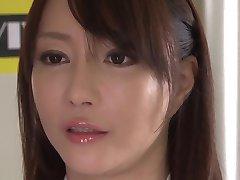Crazy modèle Japonais Kotone Kuroki dans Incroyable, gros seins, anulingus JAV film