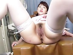 Japanese chick widen her legs apart to get finger fucked