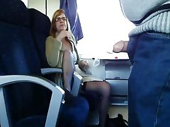 femei mature sotia e de rahat în tren