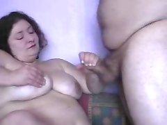 femeie durdulie facut cu mana cu lotiune