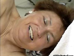 Nasty mature woman gets her hairy wet part4