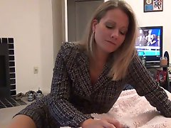 mommy gives pantyhose foot job D10