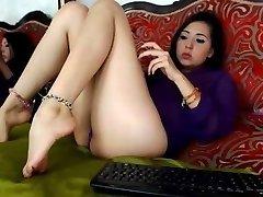latinas delicious feet