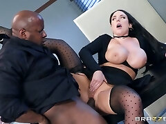 Angela White & Prince Yashua in Total Service Banking - BrazzersNetwork